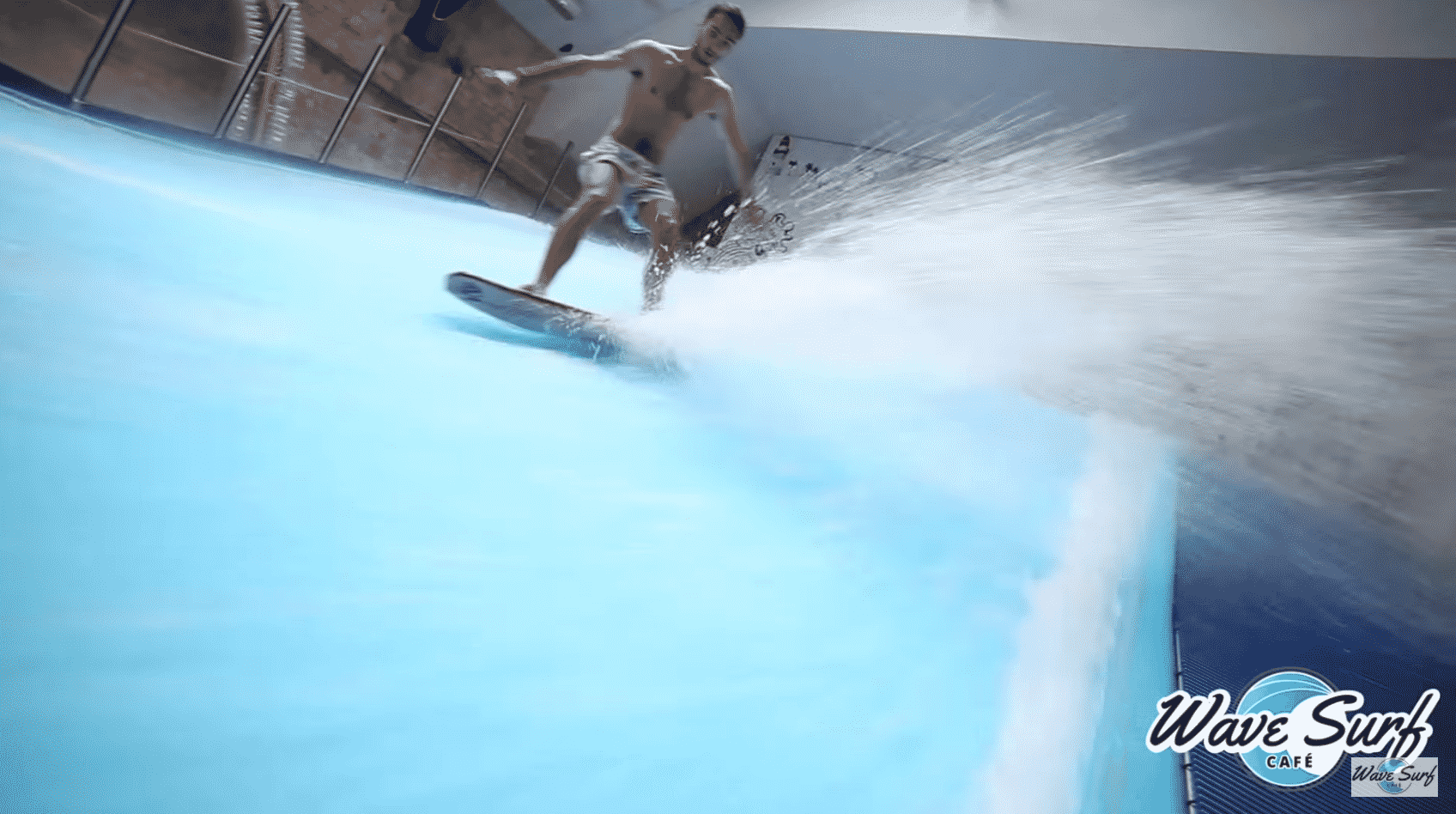 bordeaux-piscine-wave-surf-cafe